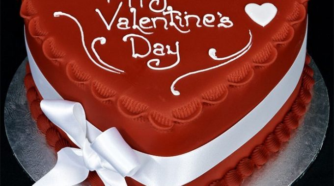 Make your Valentine's Day more classic with Valentine Day Cakes