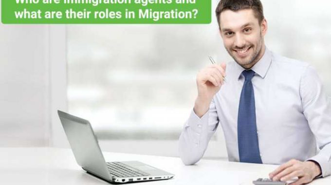 Who are Immigration agents and what are their roles in Migration?