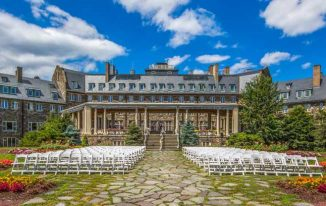 5 Romantic Things That Make Poconos Honeymoon Capital Of The World