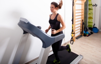 How many calories are burned in 20 minutes on a treadmill?